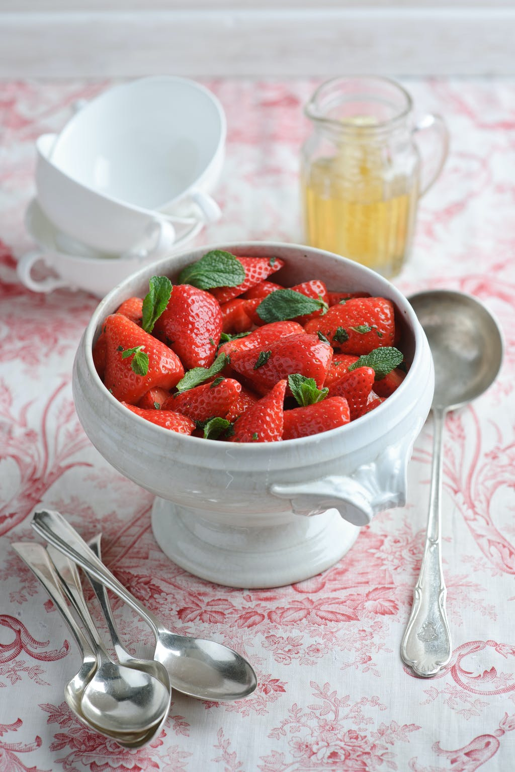 Berry World Strawberry Macerated with Apple Juice Honey and Mint 75israllb
