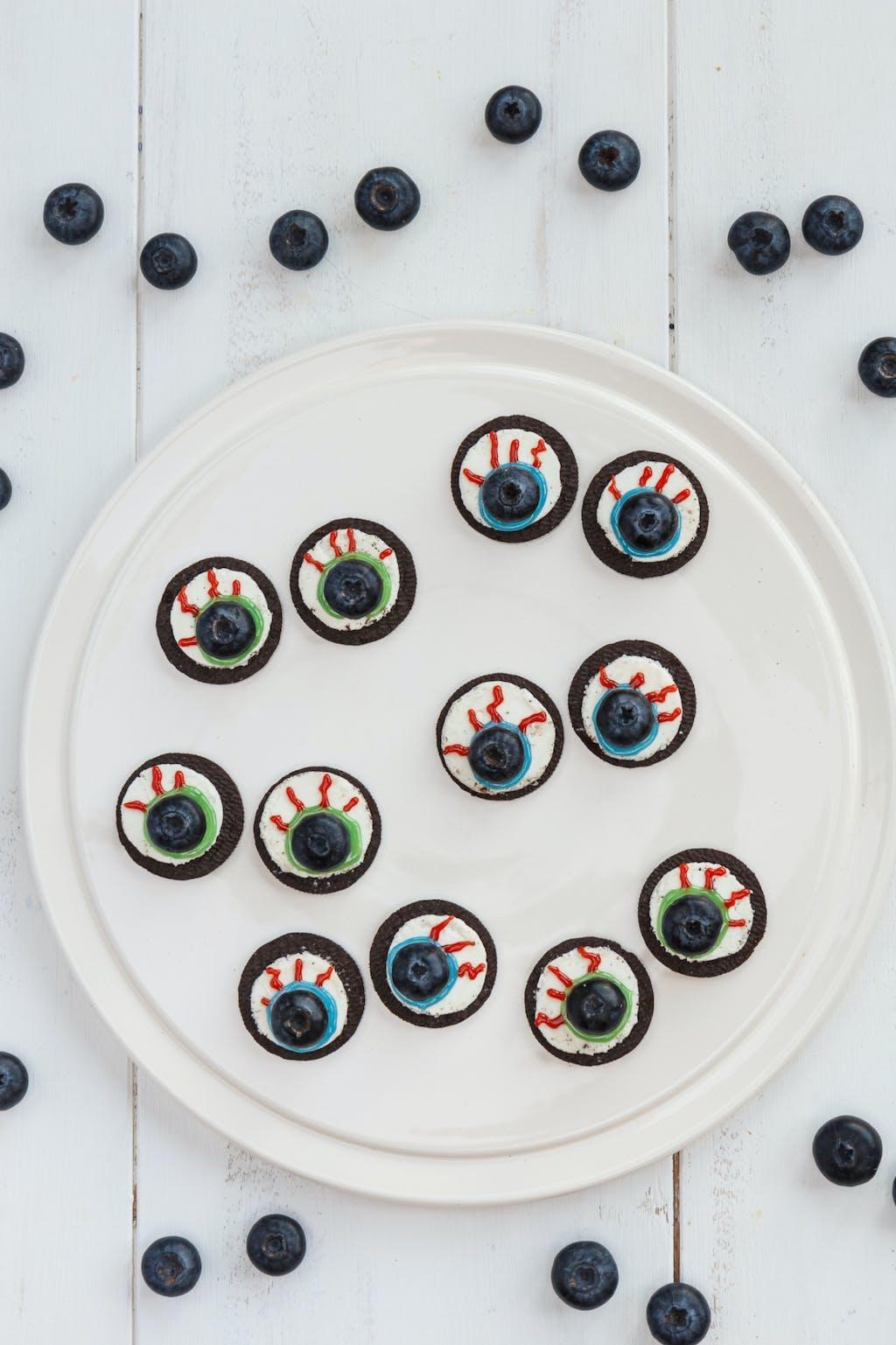 Berry World Oreo Eyeballs portrait 75j19vsdy