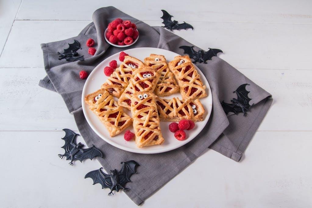 Berry World Raspberry puff pastry mummies Side landscape 3