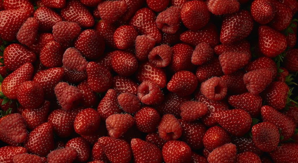 Strawberry raspberry pile