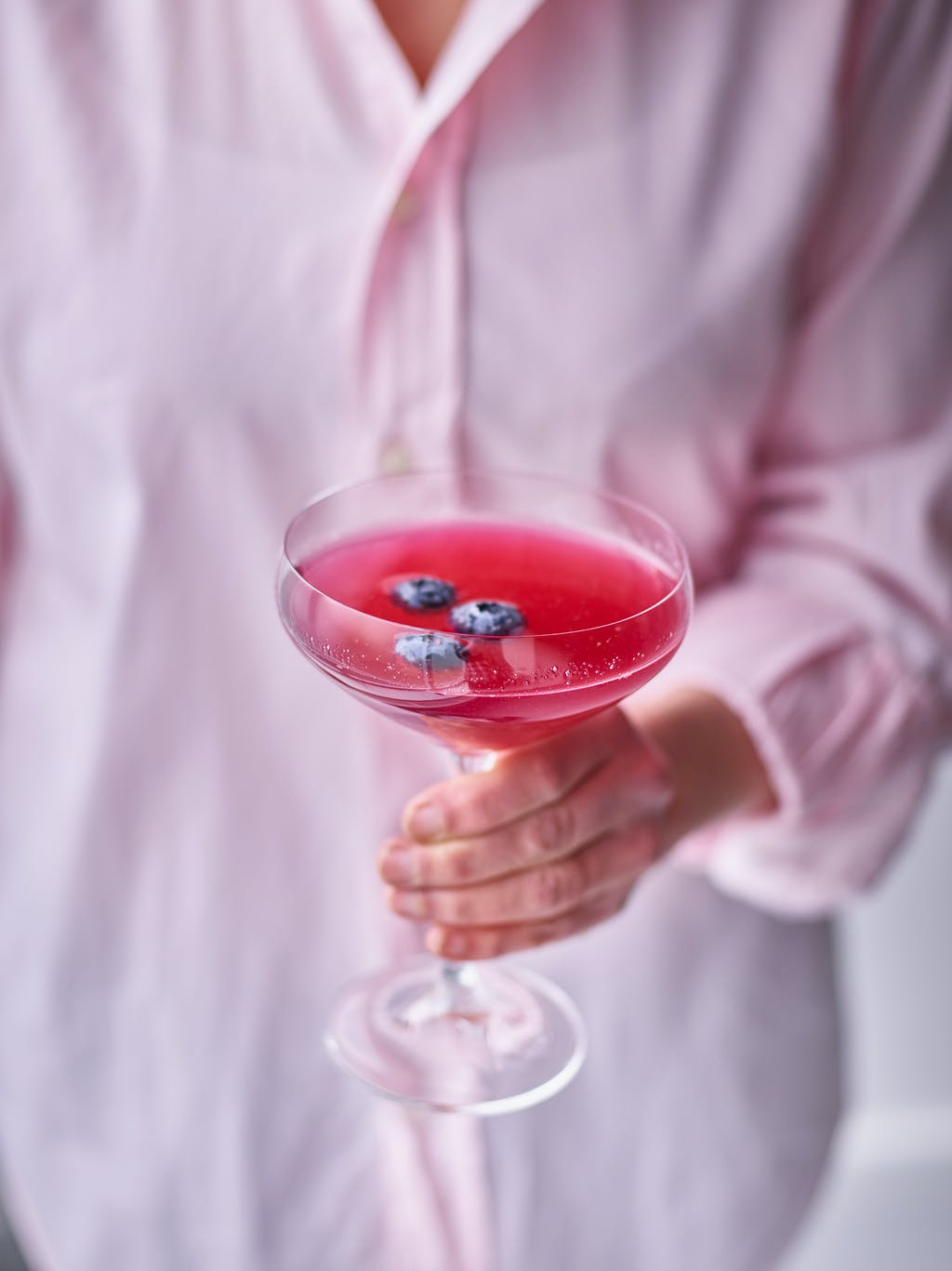 Blueberry gin cocktail interaction WEB